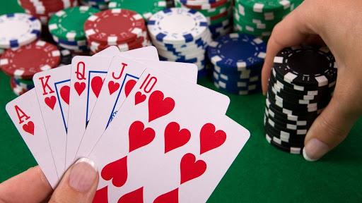 Trik khusus bermain judi poker online uang asli terpercaya